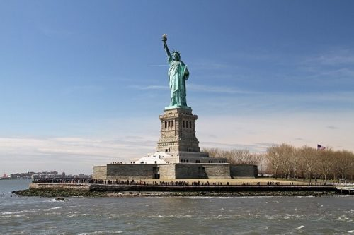 海上から見る自由の女神