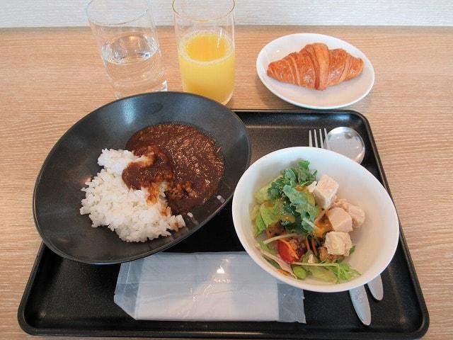 羽田空港サクララウンジの食事