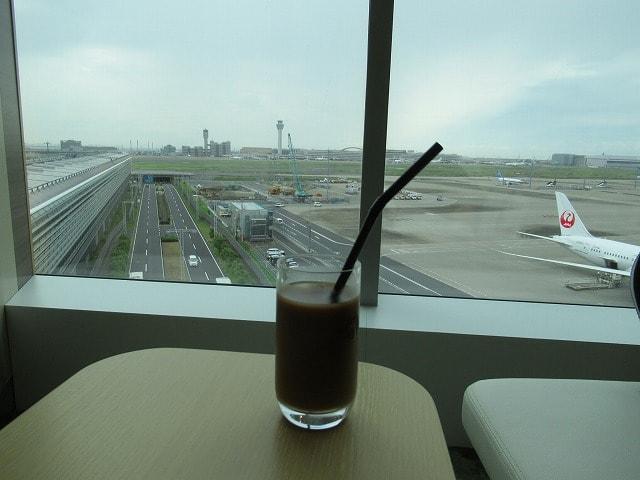 羽田空港サクララウンジからの眺め