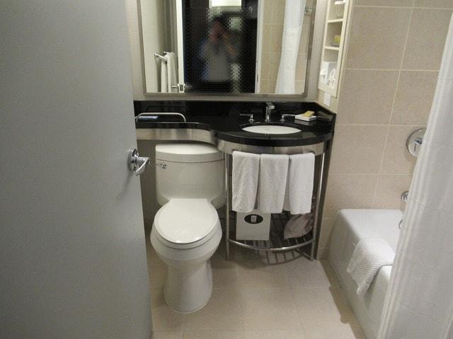 NYヒルトンミッドタウンのバスルーム