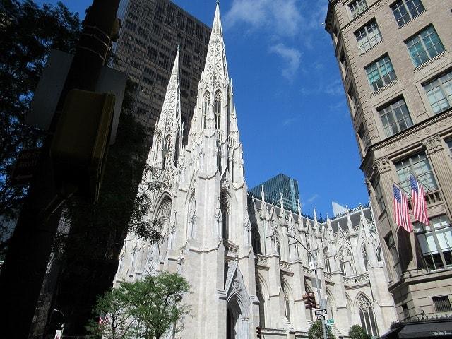 NYセント・パトリック大聖堂の外観