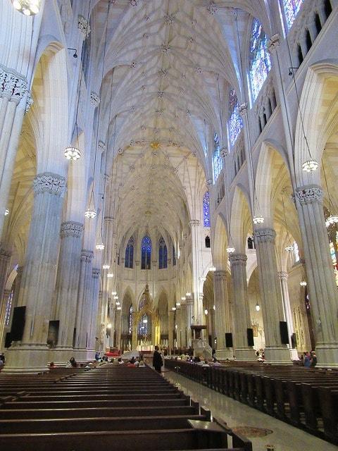 NYセント・パトリック大聖堂の内部