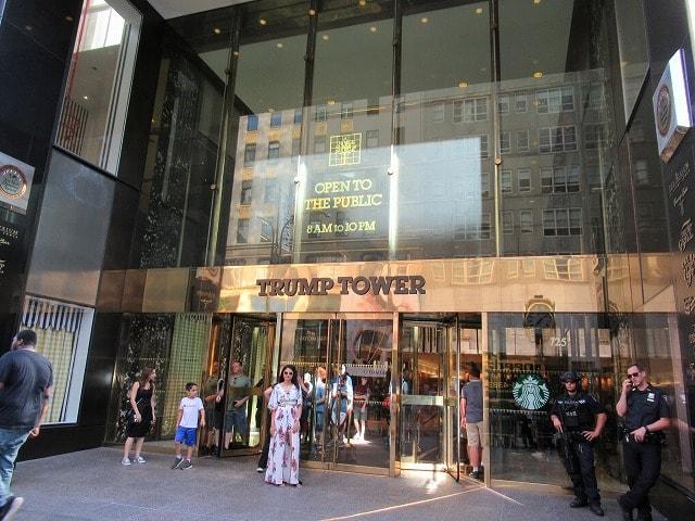 NYトランプタワーの入口