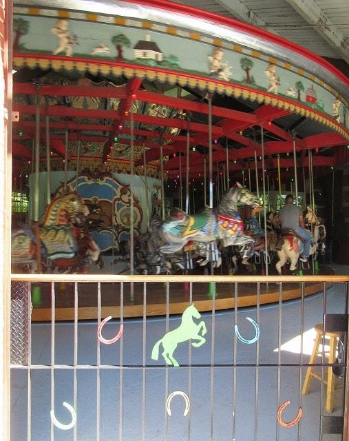 セントラルパーク内の回転木馬