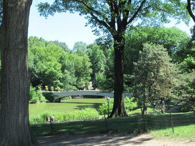 セントラルパーク内のボウ・ブリッジ