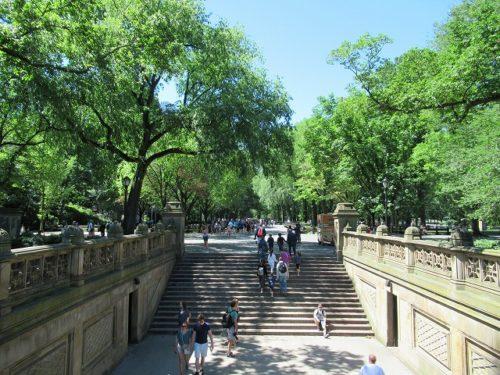 ベセスダテラスからザ・モールへつながる階段