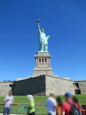 リバティ島で見る自由の女神