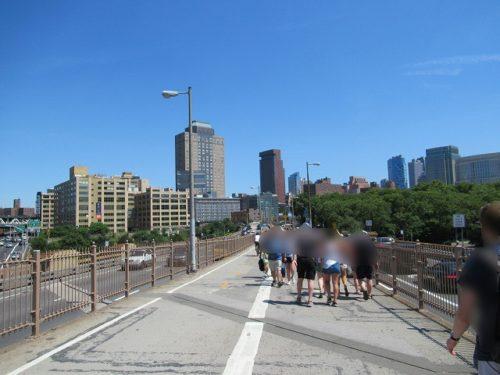 ブルックリンブリッジの歩道'(ブルックリン側)