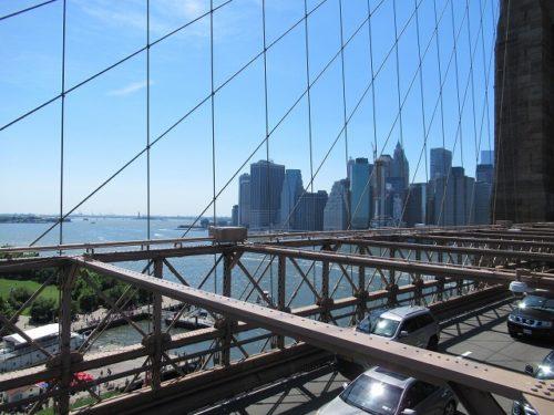 ブルックリンブリッジからマンハッタン側を望む