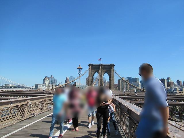 ブルックリンブリッジの歩道の様子