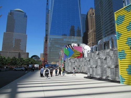 WTCにある色とりどりのアート