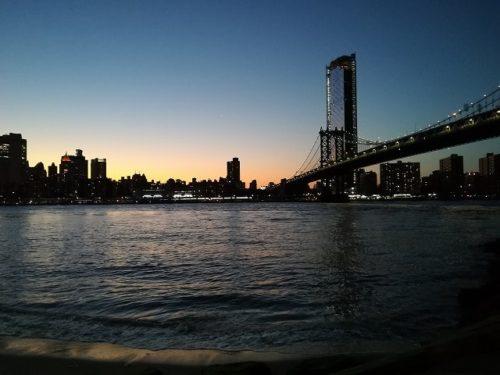 夕暮れのマンハッタンブリッジ