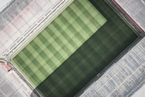 サッカースタジアムの俯瞰写真