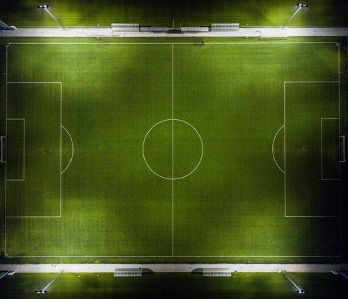 サッカーピッチの俯瞰写真