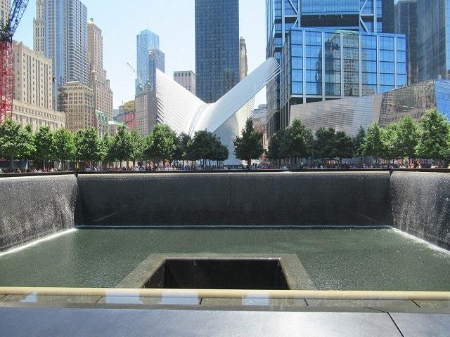 WTCノースプールとオキュラス