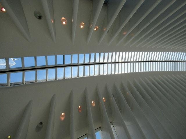 WTCオキュラスの内部から見る屋根
