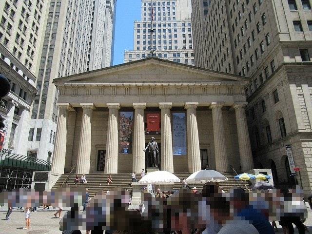 NYフェデラルホールの外観