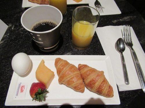 ヒルトンミッドタウンのラウンジの朝食