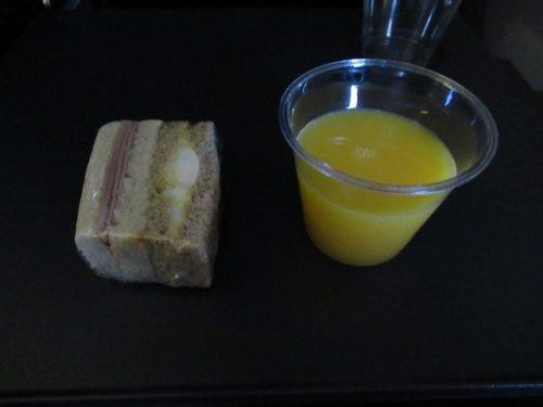 JALの機内で提供された軽食