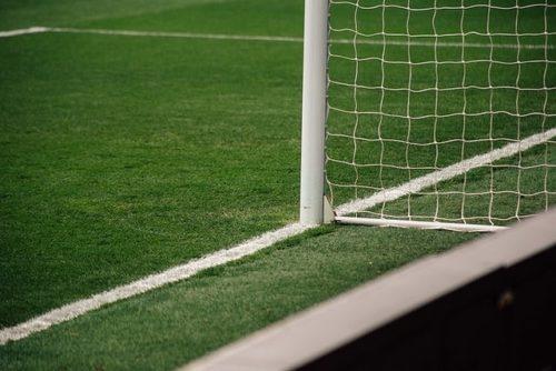 サッカーゴールと白線