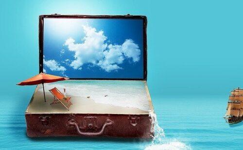 スーツケースの中に再現されたビーチ