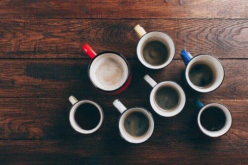 たくさん並べられたコーヒー